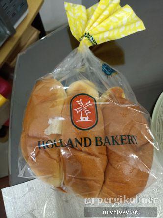 Foto Makanan di Holland Bakery