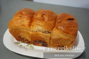 Foto 7 - Makanan di Dandy Bakery oleh bataLKurus