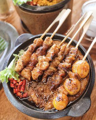 Foto - Makanan(Sate ayam makassar) di Tesate oleh Stellachubby