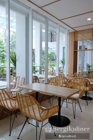 Foto 9 - Interior di Dailydose Coffee & Eatery oleh Darsehsri Handayani