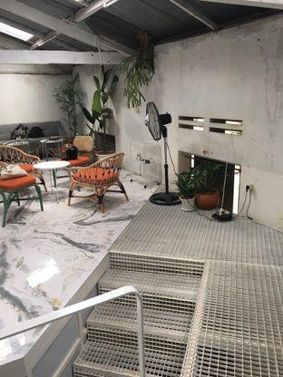 Foto 8 - Interior di Monday Coffee oleh Mariane  Felicia