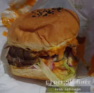 Foto review Brick Pastrami Burger oleh Ivan Setiawan 2