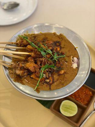 Foto 4 - Makanan(sate ayam) di Eastern Opulence oleh Jeljel