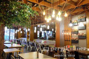 Foto 15 - Interior di De Cafe Rooftop Garden oleh Jessica Sisy