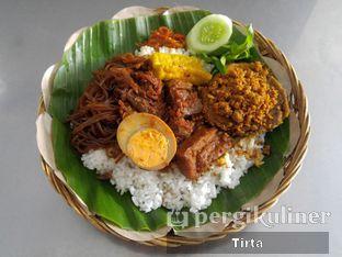 Foto 1 - Makanan di Depot Nasi Campur Pojok Tambak Bayan oleh Tirta Lie