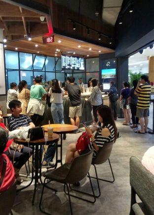 Foto 3 - Interior di KOI The oleh YSfoodspottings