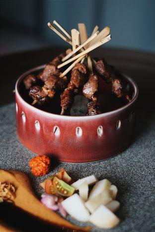 Foto 3 - Makanan(Mutton Satay) di 1945 Restaurant - Fairmont Jakarta oleh Verdi Danutirto