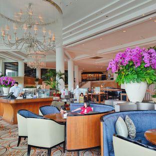 Foto 6 - Interior di Fountain Lounge - Grand Hyatt oleh Aurora Viana