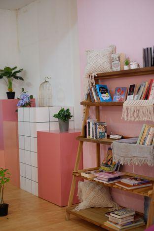 Foto 8 - Interior di Kullerfull Coffee oleh Deasy Lim