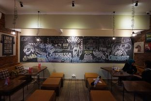 Foto 9 - Interior di Bulaf Cafe oleh yudistira ishak abrar