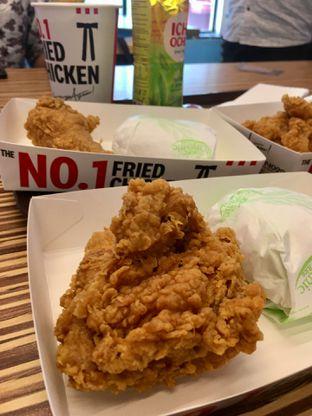 Foto 1 - Makanan di KFC oleh Prido ZH