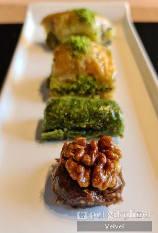 Foto review Mardin Fine Baklava Cafe oleh Velvel  9