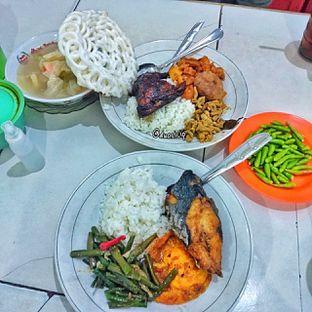 Foto 1 - Makanan di Warteg Gang Mangga oleh duocicip