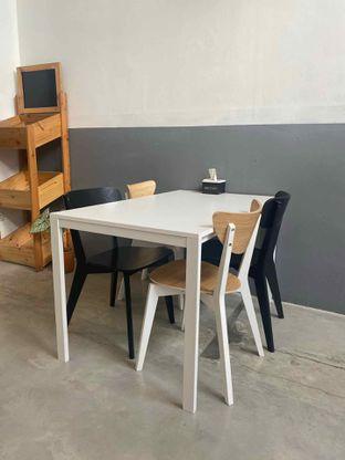 Foto 18 - Interior di Drips Coffee oleh Levina JV (IG : @levina_eat & @levinajv)