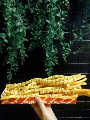 Foto - Makanan(Fries With Cheese Powder N Bbq Sauce) di OMG Poteto oleh La Beaute Petite