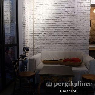 Foto 11 - Interior di Kaffeine Kline oleh Darsehsri Handayani