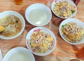Tempat Makan di Mangga Besar, Spesialis Mie dan Kwetiau Paling Enak!