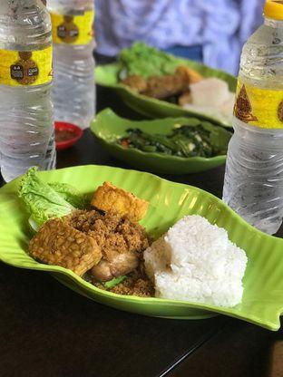 Foto 3 - Makanan di Ayam Kremes Kraton oleh Makan2 TV Food & Travel