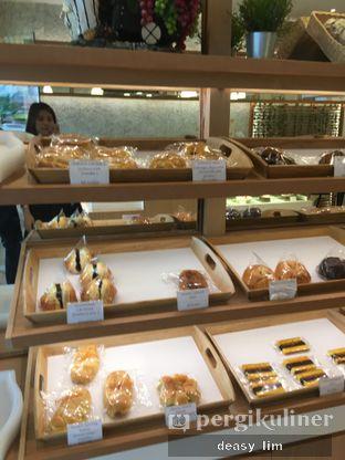 Foto 13 - Interior di Honeybun Bakery & Cake oleh Deasy Lim