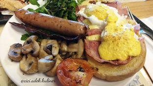 Foto 1 - Makanan(Eggs Benedict) di Social House oleh Jenny (@cici.adek.kuliner)