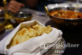 Foto 5 - Makanan(Naan Bread) di Collage - Hotel Pullman Central Park oleh @teddyzelig