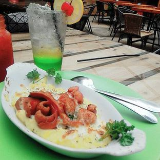 Foto review Day & Nite Eatery and Grocery oleh Mina Wahyuni 1