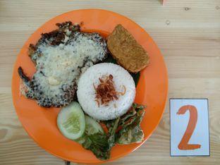 Foto 1 - Makanan(Bebek Geprek Sambal Madura + Mozzarella Cheese) di Warung Uleg oleh Rachmat Kartono