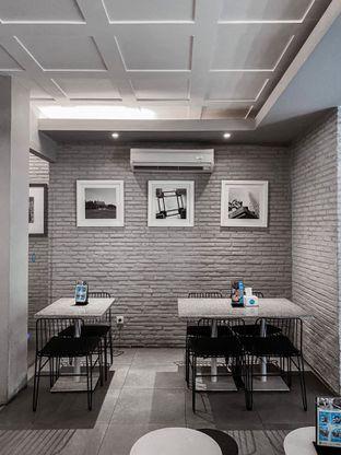 Foto 3 - Interior di YOMS Pisang Madu & Gorengan oleh houseofoodies