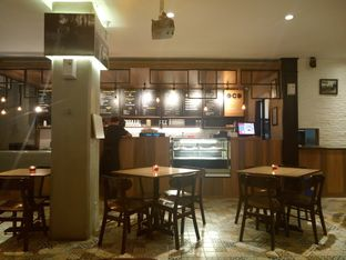 Foto 4 - Interior di Iceberg Pizza & Gelato oleh yudistira ishak abrar