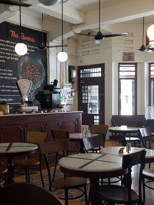 Foto 9 - Interior di Bakoel Koffie oleh Mouthgasm.jkt