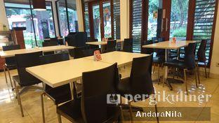 Foto 5 - Interior di AH Resto Cafe oleh AndaraNila