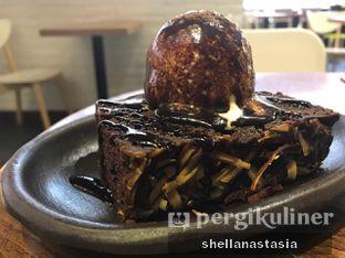 Foto 3 - Makanan(Chocolate Fondue Brownies) di Aree oleh Shella Anastasia