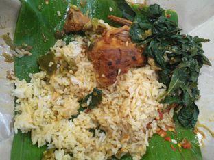 Foto - Makanan di RM Pondok Minang Jaya oleh Fiski