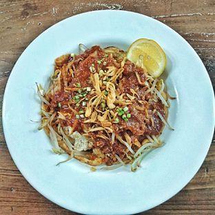 Foto 8 - Makanan(lontong tahu pluie) di PLUIE Cafe & Resto oleh duocicip