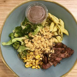 Foto - Makanan di 6Pack Salad Bar oleh @stelmaris