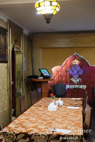 Foto 5 - Interior di Al-Jazeerah oleh Darsehsri Handayani