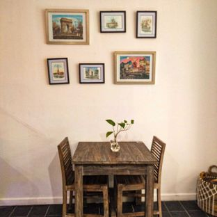 Foto 19 - Interior di PLUIE Cafe & Resto oleh duocicip
