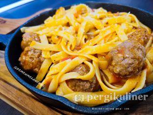 Foto 3 - Makanan(Fettucine Meatball) di iSTEAKu oleh Demen Melancong