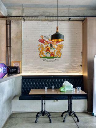 Foto 4 - Interior di Beranda Depok Cafe & Resto oleh Ika Nurhayati