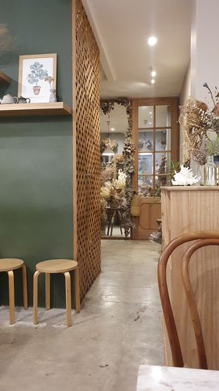 Foto 1 - Interior di Guten Morgen Coffee Lab & Shop oleh Naomi Suryabudhi