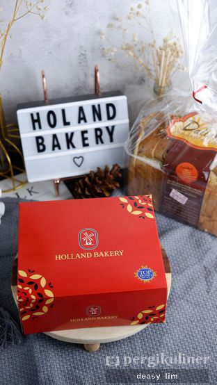 Foto review Holland Bakery oleh Deasy Lim 1
