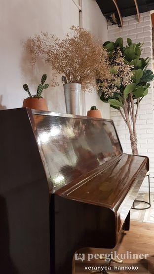Foto 6 - Interior(Ambiance) di Cups Coffee & Kitchen oleh Veranyca Handoko