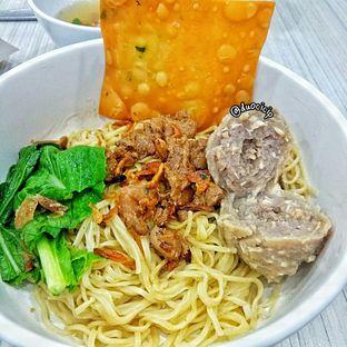 Foto 1 - Makanan(Mie Ayam Bakso Urat) di BMK (Baso Malang Karapitan) oleh duocicip