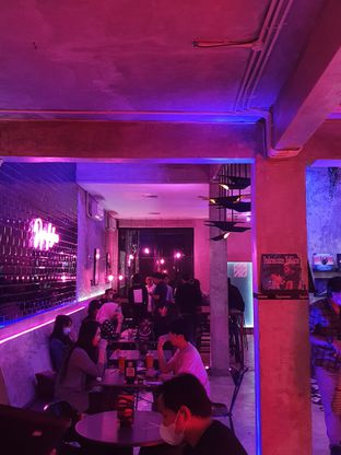 Foto 5 - Interior di Dope Burger & Co. oleh imanuel arnold