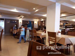 Foto 3 - Interior di Bon Ami Restaurant & Bakery oleh Prita Hayuning Dias