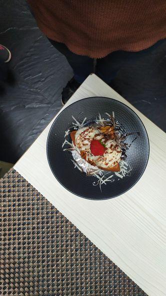 Foto Makanan di Cardamom Bistro - MaxOne Hotel