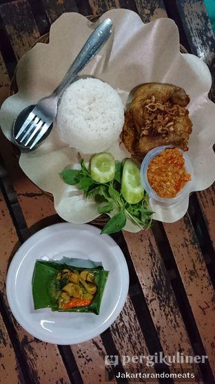 Foto review Ayam Goreng Fatmawati oleh Jakartarandomeats 3