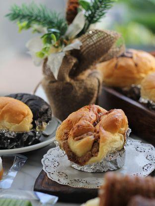 Foto 3 - Makanan di Iwai Bakery oleh Ken @bigtummy_culinary