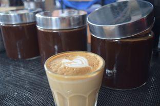 Foto 4 - Makanan(Piccolo Latte) di Logika Coffee oleh Andreas ( IG : ommakanom )