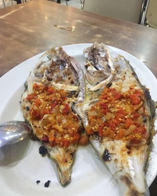 Foto 4 - Makanan di RM Ujung Pandang oleh inggie @makandll